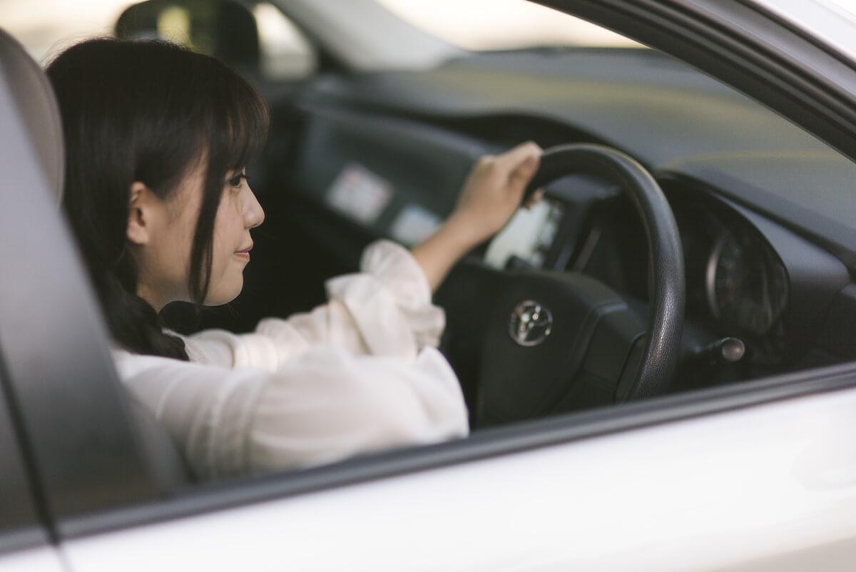 妻の浮気と車